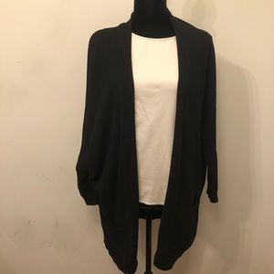 Express black oversized cardigan w/ pockets